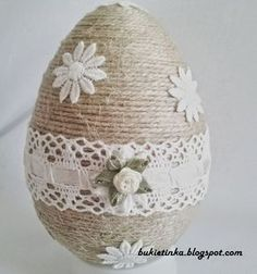 Bukietinka - bukiety z broszek, decoupage i wiele innych: Sznurkowe jajka Egg Carton Crafts, Egg Crafts, Easter Crafts, Diy And Crafts, Easter Tree Decorations, Easter Egg Designs, Jute Crafts, Easter Projects, Egg Art