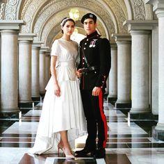 Bridesmaid Dresses, Wedding Dresses, Best Couple, Traditional Dresses, My Idol, Harajuku, Crown, Actresses, Portrait