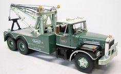 FIRST GEAR Brockway Huskey Heavy Duty Tow Truck with Original Box #FirstGear #Mack