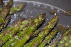 Ricetta asparagi conditi con riduzione di aceto balsamico