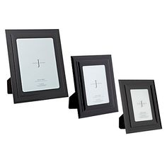 From the elegantly modern J by Jasper Conran designer home ware range comes this glass two-tiered small black photo frame. It is finished with sloped edges for an angular finish.
