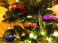 DIY Ninja Turtle Ornaments Tutorial from Dollar Store Crafts here. You could use this very cheap and easy tutorial to make other superhero ornaments. 50 Diy Christmas Ornaments, How To Make Ornaments, Christmas Projects, Winter Christmas, Holiday Crafts, Holiday Fun, Christmas Holidays, Christmas Decorations, Christmas Balls
