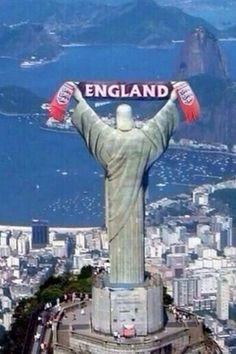 Copa 2014: Cristo Redentor aparece na torcida pela Inglaterra em brincadeira feita na Internet kkkkkkkkkkkkkkkk Que absurdo!