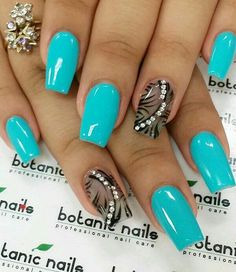 Neon blue and black winter nail art. There's nothing like contrasting colors combined to make the nail art stand out more. You can also add beads on top to make it look even more beautifu Easy Nails, Easy Nail Art, Cool Nail Art, Simple Nails, Easy Art, Nail Art Designs 2016, Simple Nail Art Designs, Winter Nail Art, Winter Nails