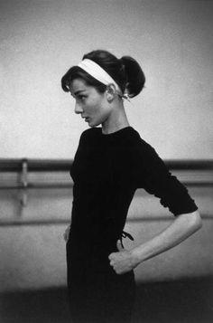 Paris1956. Dutch actress Audrey Hepburn <3