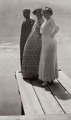 Gustav Klimt, Emilie Floge and Hermine Floge on a jetty 1906 (detail), from the book http://www.amazon.com/Gustav-Klimt-Emilie-Floge-Photographs/dp/3791352474