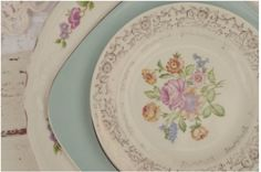 The Vintage Collection, Photo by Wildflowers Photography #mismatched # plates www.thevintagetableco.com