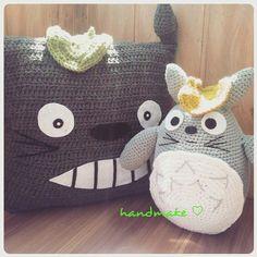 Встреча двух Тоторо ^_^  #handmake #handmade #pillow #crochet #totoro #funny #gift #gray #etsy #etsyfind #amigurumi #toy #home #подушка #вязаниекрючком #тоторо #подарок #амигуруми #игрушка #серый #ручнаяработа #домашнийдекор