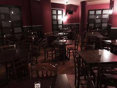 """Sedie e tavoli Pub Ristoranti Pizzerie MAIERON SNC www.mobilificioma... - www.facebook.com/... - 0433775330. Sedie, tavoli, Sgabelli in legno color noce presso """"wells fargos saloon"""" a trani (BAT). Sedie Venezia e Tavoli in legno Produzione Mobilificio maieron sedie e tavoli pub, bar, ristoranti e pizzerie. #arredoRistorantemaieron #arredamentopub #tavoliesedie #arredoristorante, #arredopub #sedievenezia #tavolisedieshabby #sedieagriturismo #sedieristorante #tavoliristorante"""
