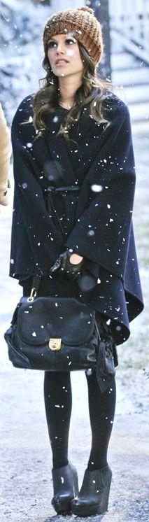 mantel - tasche - stiefel - mütze