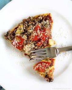 Polenta Pizza: Vegan, salt and oil-free. Now you can have your pizza and feel… Vegan Pizza Recipe, Pizza Recipes, Whole Food Recipes, Free Recipes, Sauce Recipes, Vegan Vegetarian, Vegetarian Recipes, Healthy Recipes, Vegan Menu