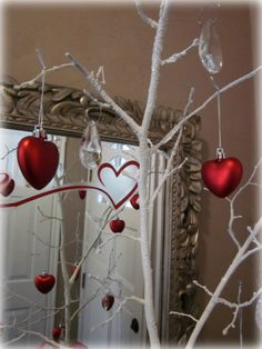Valentine's Day Tree...I have never decorated for this holiday before...hmmmm