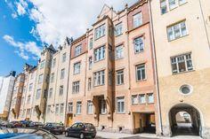 Myydään Kerrostalo 5 huonetta - Helsinki Katajanokka Luotsikatu 9 - Etuovi.com 9595983 Helsinki, Multi Story Building, Street View