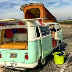 Small Camper Vans, Pop Top Camper, Small Campers, Bus Camper, Rv Campers, Volkswagen Bus, Vw T1, Motorhome Interior, Van Interior