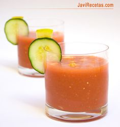 Sorry if you don't read spanish, this sounds like a great basic recipe for Andalusian Gazpacho (cold tomato soup) I figure you can add your own special touch to it.