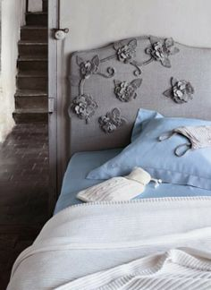 flowered head board