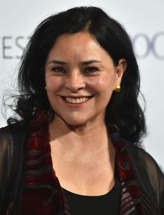 *New* Diana Gabaldon's Interview with Design & Trend