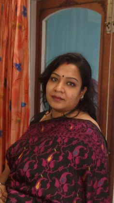 Beautiful Girl In India, Beautiful Women Over 40, Beautiful Girl Photo, Beautiful Indian Actress, Indian Natural Beauty, Indian Beauty Saree, Beauty Full Girl, Beauty Women, Girls Group Names