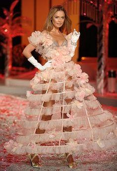 Victoria's Secret Fashion Show Ballet De Fleur