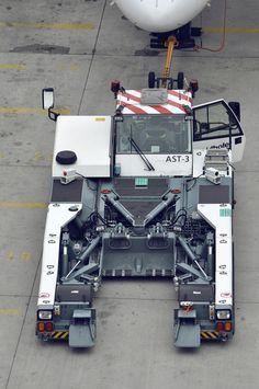 utumblr. - sid766:     Goldhofer AG 'AST-3' towbarless...