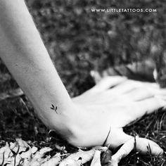 Tiny Minimalist Sprout Temporary Tattoo - Set of 3 Rose Rib Tattoos, Shell Tattoos, Tiny Tattoos For Women, Leg Tattoos Women, Little Tattoos, Cute Tattoos, Tattoo Set, I Tattoo, Bridge Tattoo