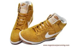 low priced 6497d 856f1 scarpe calcio Donna 8056587-456 Suede Wedge WheatBianco Nike Dunk SB Sky Hi