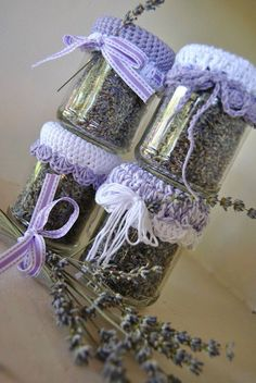Mason jars filled with lavender buds with a crocheted top. Lavender Cottage, Lavender Garden, Lavender Bags, French Lavender, Lavender Sachets, Lavender Fields, Lavender Flowers, Lavender Scent, Lavender Crafts