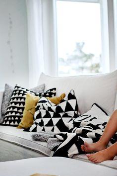 B&W + yellow pillows #monochrome #triangles #patterns