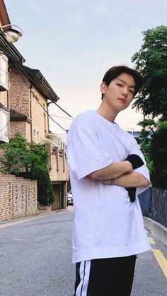 hes comin to ma house unknownly Kaisoo, Exo Ot12, Baekhyun Chanyeol, Chanbaek, Park Chanyeol, Hapkido, Baekhyun Wallpaper, Exo Lockscreen, Xiuchen