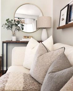 21 Cozy Apartment Living Room Decorating Ideas Hold up to date with the newest small living room decor some ideas (chic & modern). Find excellent methods for getting fashionable design even though you have a small living room. Living Room Mirrors, Living Room Sets, Home Living Room, Apartment Living, Living Room Designs, Living Spaces, Wall Mirrors, Living Room Plants, Living Room Neutral