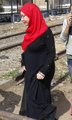 Arab Girls Hijab, Girl Hijab, Beautiful Iranian Women, Muslim Women Fashion, Tamil Girls, Hijab Niqab, Cigar Girl, Indian Beauty Saree, India Beauty