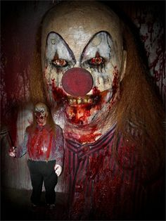 Scary Killer Clowns | Casey The Killer Clown Life-size Fat Killer Casey clown prop, Comes ...