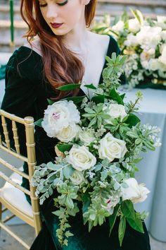 Photographer: Ellen Ashton Photography | Elegant Emerald Gold Wedding Inspiration