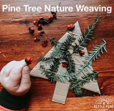 47 Easy Christmas Crafts For Kids - Page 3 of 47 - Lily Fashion Style Holiday Fine Motor Activities, Forest School Activities, Christmas Activities, Nature Activities, Holiday Crafts For Kids, Christmas Crafts For Kids, Kids Crafts, Natural Christmas, Simple Christmas