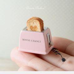 Miniature dollhouse toaster ♡ ♡ By BonneChanceYuri