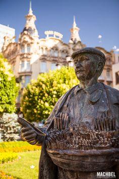 Monumento al cuchillero Provincia de Albacete lugares para visitar Castilla la Mancha by machbel