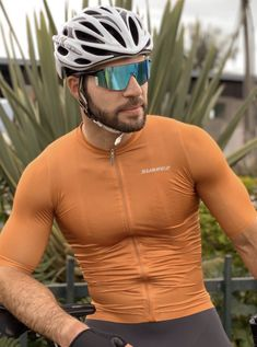 Bi_cyclistnetn On Kik Cycling Wear, Cycling Outfit, Lycra Men, Sport Man, Gorgeous Men, Hot Guys, Bicycle, Shorts, Inspirational Pics