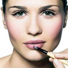 Bobbi Brown love lip and cheek colour Bleaching Your Hair, Love Lips, Brown Makeup, Flawless Makeup, Hair Shampoo, Matte Lips, Beauty Hacks, Beauty Tips, Makeup Inspiration