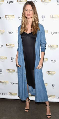 Behati Prinsloo made her first red carpet appearance since announcing she's pregnant.