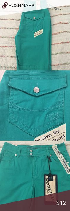 "Code Bleu (Dillard's) Bermuda Shorts Code Bleu Celie style teal color bermuda shorts. Inseam is 12"" and made of 97% cotton and 3% spandex. In excellent condition and from a smoke free home. Code Bleu Shorts Bermudas"