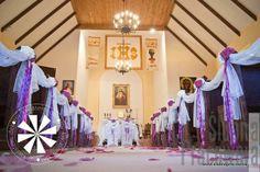 dekoracja kościoła biały dywan