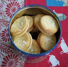 Zarte Erdnuss - Doppeldecker, ein schönes Rezept aus der Kategorie Kekse & Plätzchen. Bewertungen: 29. Durchschnitt: Ø 4,2.