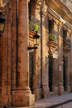 Havana, Cuba I myself haven't seen many pictures of Cuba.... I'd love to go there and take my own wonderful pictures