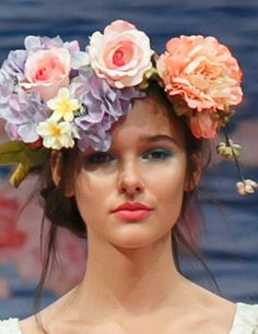 Unique Wedding Decorations and Flower Power http://www.elleuk.com/style/wedding-blog