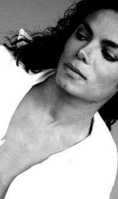I'm a huge Michael Jackson fan! Jackson Life, Jackson Family, Oprah Winfrey, Barack Obama, Billy Talent, Michael Jackson Quotes, King Of Music, The Jacksons, Black And White Portraits