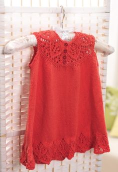 Dress for a little girl. Free Pattern---English directions are after the Spanish.