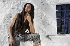 Julian Marley - Rastafari Singer for Vimagazino Marley Brothers, Julian Marley, Reggae Bob Marley, Marley Family, Rasta Man, Afro Men, Reggae Artists, Nesta Marley, Dreadlocks