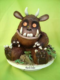 What a fun Gruffalo cake!