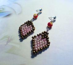 501 - Boucles d'oreilles, marron et rose clair, perles de rocaille, perles en verre
