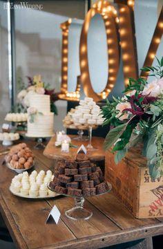 A Burgundy Wine Country Wedding ! Wedding Desert Table, Sweet Table Wedding, Wedding Sweets, Wedding Cake Rustic, Elegant Wedding Cakes, Trendy Wedding, Elegant Desserts, Floral Wedding Cakes, Wedding Decorations